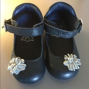 Carolina Kids Navy Shoes 4.5 (12-18 mos)
